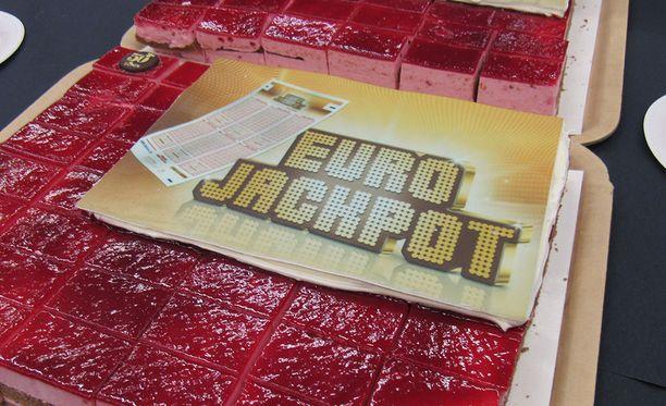 Suomalaisten hyvä onni Eurojackpotissa sai perjantaina jatkoa.
