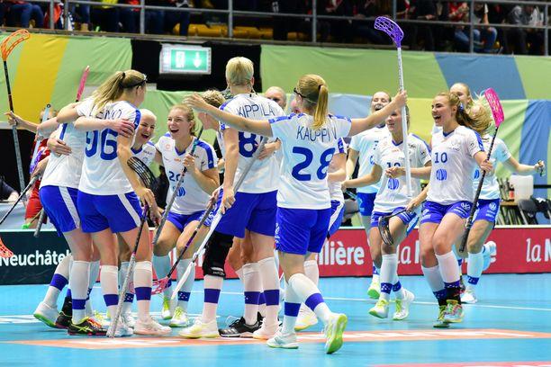 Suomi juhli Oona Kaupin 1–0-maalia ja MM-pronssia.