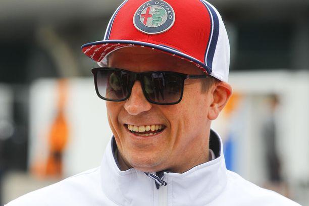 Kimi Räikkönen somettaa jo melko vakuuttavalla otteella.