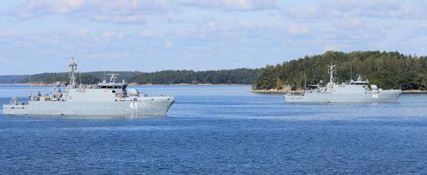 Harjoitukseen osallistuu myös yksi Katanpää -luokan miinantorjunta-alus. Kuvassa Katanpää -luokan  MHC Katanpää ja MHC Purunpää.
