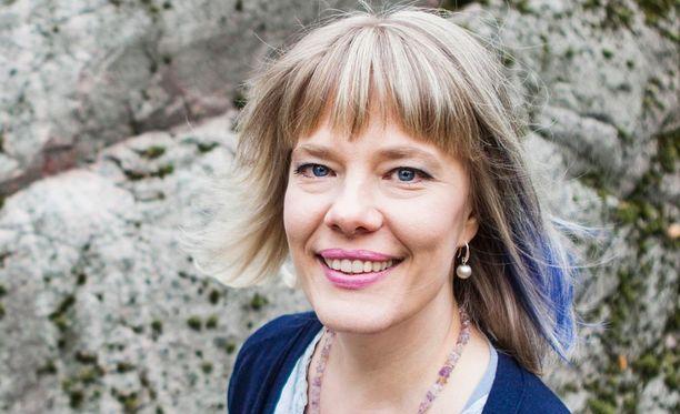 Herkkiä ihmisiä on arvioitu olevan noin viidesosa ihmisistä, psykologi Heli Heiskanen sanoo.