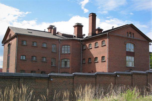 Hovioikeus määräsi Niko Niskasen pidettäväksi edelleen vangittuna. Kuvassa Kuopion vankila, johon hänet passitettiin jo keväällä.