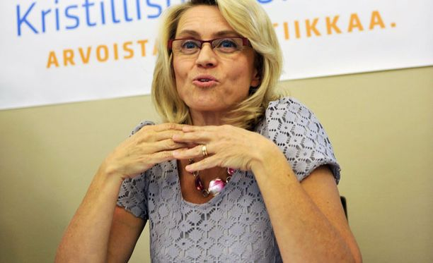 Kansanedustaja Päivi Räsänen ei ole nähnyt esitystä, mutta hänen mielestäään taiteessa on oma vapautensa.