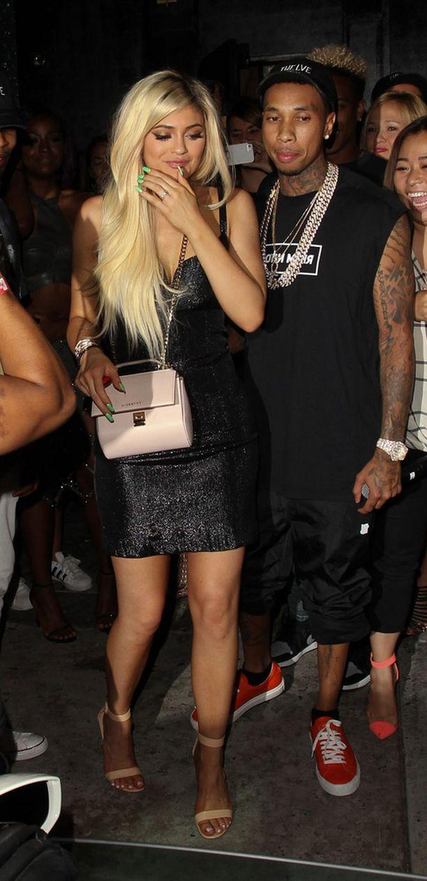 Tyga viihtyi tiiviisti Kylien rinnalla kaunottaren 18-vuotissyntymäpäivillä toissaviikolla.