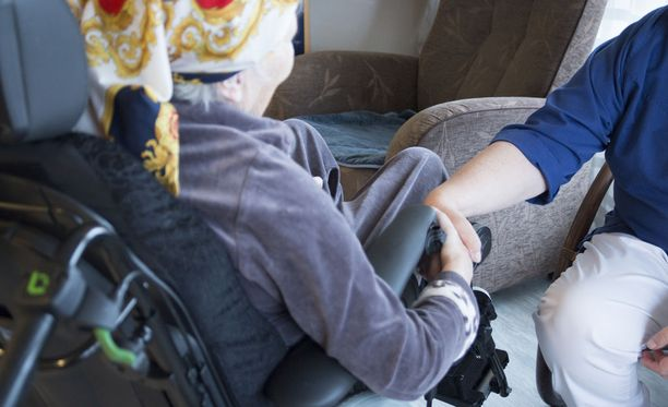 Piispojen mukaan eutanasian sallimisen sijaan tulisi arvioida, millaisin keinoin jokaiselle tarvitsevalle saataisiin laadukas saattohoito.