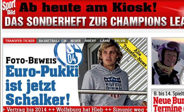 Teemu Pukin siirto Schalkeen on noteerattu isolla Bildissä.