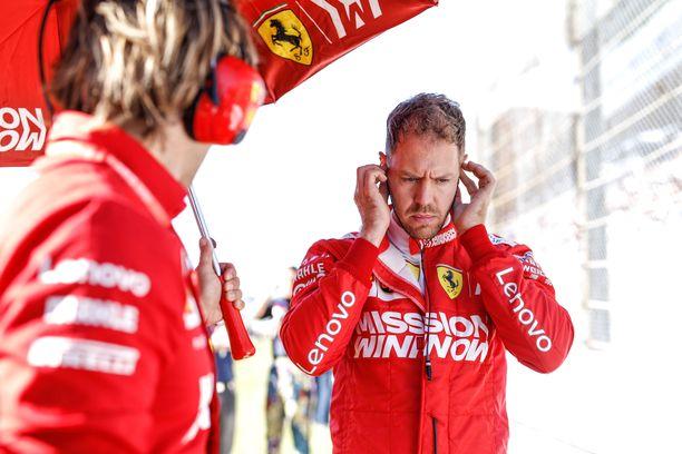 Sebastian Vettelin tilannetta ei tuomittu varaslähdöksi.