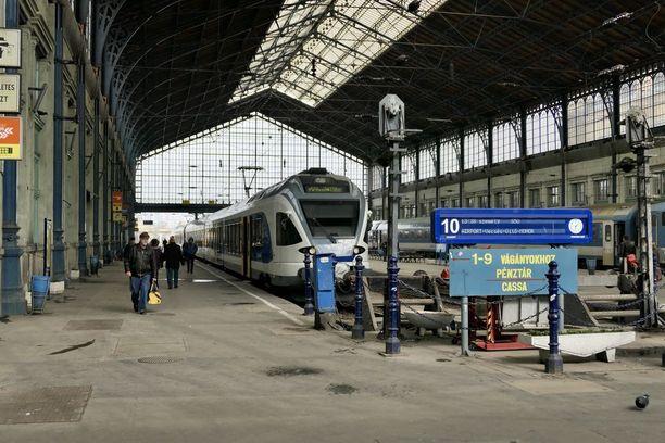 Euroopan unionin maksaa Unkarille eri rakennerahastoista vuoden 2014-2020 budjettikaudella noin 25 miljardia euroa. Rahoilla on tarkoitus uusia muun muassa rautateitä.