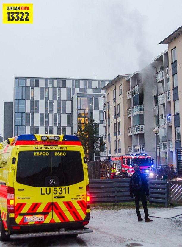 Huoneisto Espoon Kilossa kärsi merkittävän vahingot liekkien, savun, kuumuuden ja noen vuoksi.