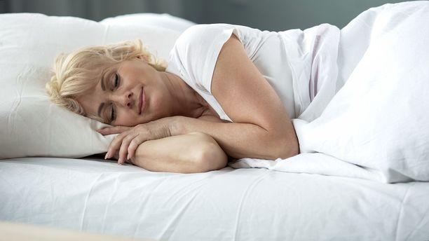Lisääntynyt unentarve saattaa kertoa muistisairaudesta jo paljon ennen muita oireita, ehdottaa uusi tutkimus.