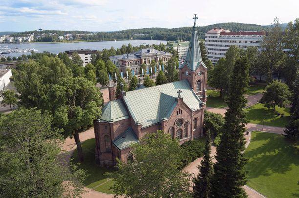 Jyväskylä tarjoaa tekemistä kauniissa maisemissa.