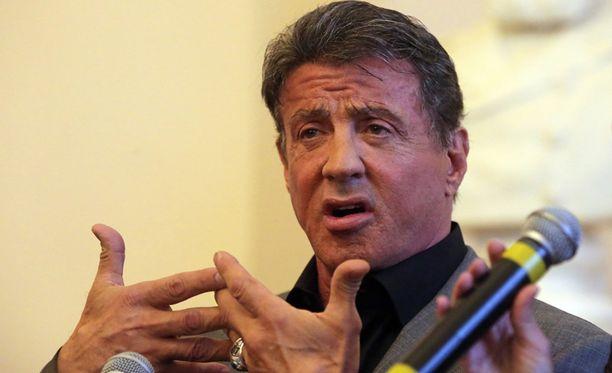 Sylvester Stallone avasi oman taidenäyttelyn Pietarissa Venäjällä.