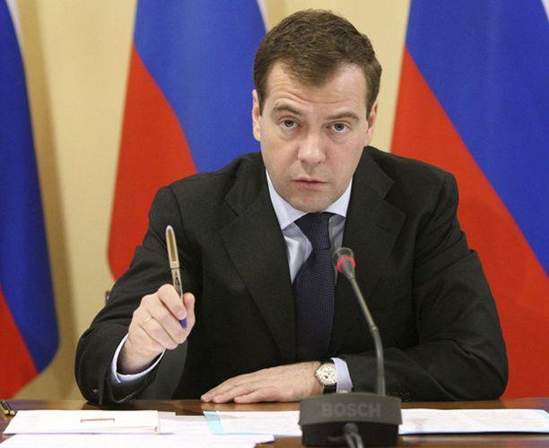 Venäjän presidentti Dmitri Medvedev isännöi nyt myös talouskriisiä käsittelevää televisio-ohjelmaa.