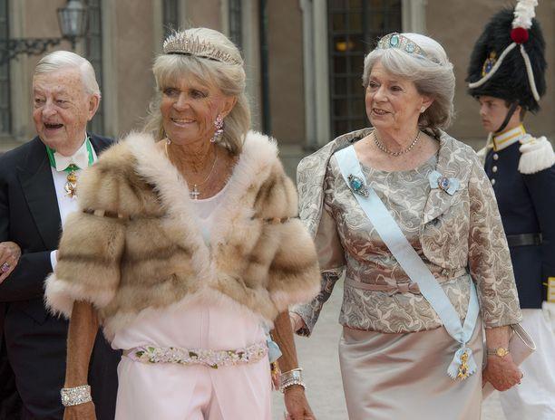 Kesällä 2015 prinsessa Birgitta ja Margaretha osallistuivat prinssiparin häihin.