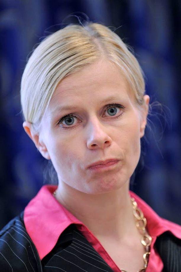 KALLIS OHITUS Raskas kaasujalka kävi kalliiksi europarlamentaarikko Riikka Mannerille.