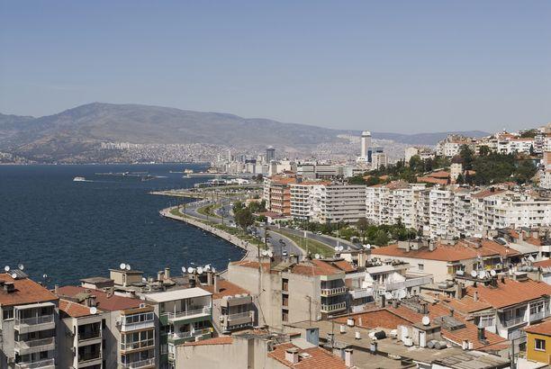 Izmir on elämää kuhiseva suurkaupunki.