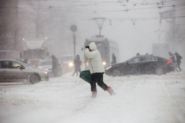 Lunta saatetaan sittenkin saada vielä Etelä-Suomeenkin, missä tänä talvena ei juuri valkoista maata ole nähty.