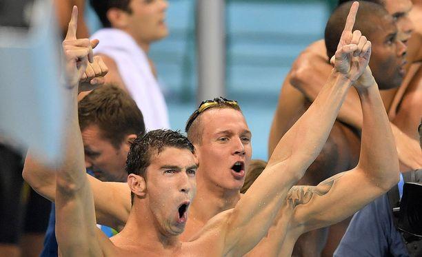 Tuttua puuhaa! Michael Phelps pääsi taas kultamitalin makuun.