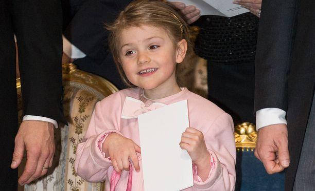 Prinsessa Estelle ei saapunut kirkkoon.