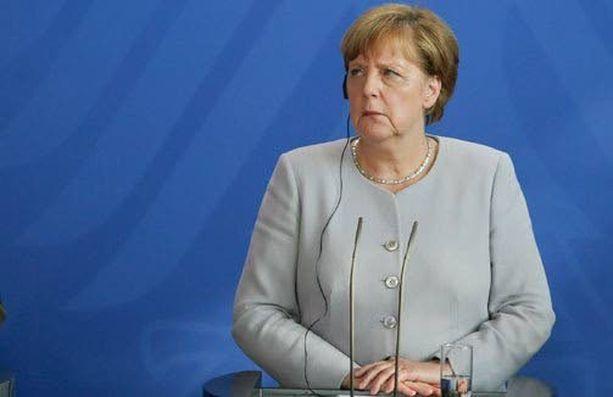 Saksan liittokansleri Angela Merkel sanoo, ettei Britannia voi odottaa pääsevänsä irti velvoitteista, mutta säilyttävänsä EU-jäsenyyden tuomat oikeudet.