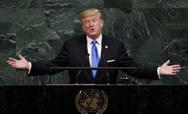 Donald Trump puhui ensimmäistä kertaa YK:n yleiskokouksessa New Yorkissa tiistaina. Räiskyvän puheen jälkeen osakekurssit jatkoivat nousuaan, sillä presidentin värikkääseen ilmaisutyyliin on jo totuttu.