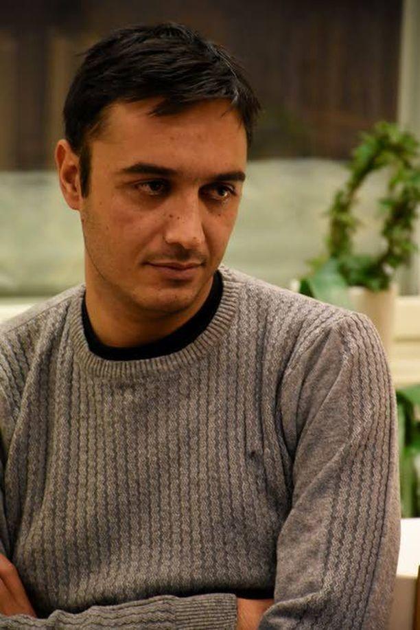 Pakistanilainen Amjad tuomitsee jyrkästi naisten ahdistelijat ja muut rikoksentekijät.