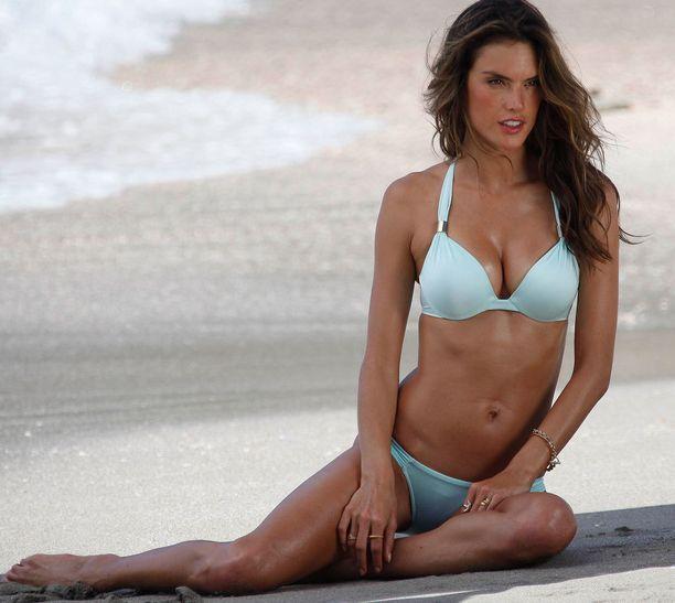 Alessandra on ollut Victoria's Secret -mallina jo 11 vuotta.