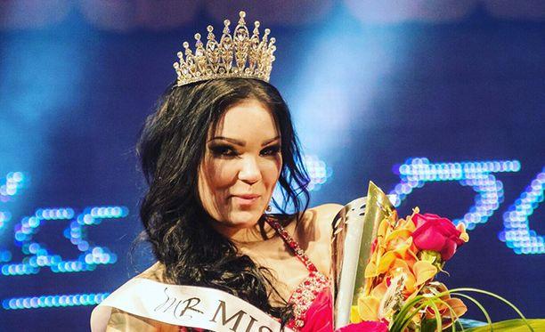 Emma Törmä kruunattiin vuoden 2016 Miss Rockiksi.