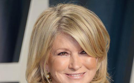 Vankilassakin istunut kokki ja kirjailija Martha Stewart kommentoi tipuvideota hiprakassa