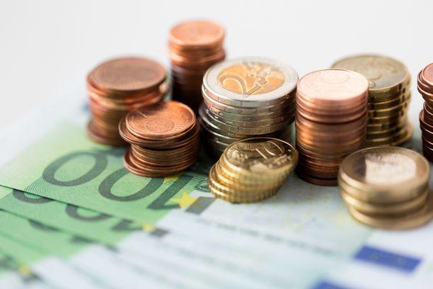 Veronmaksajien Keskusliiton laskelmien mukaan kilpailukykysopimukseen liittyvät palkansaajamaksut heikentävät palkansaajien ostovoimaa, jos hallitus ei tee budjettiriihessä korjaavia toimenpiteitä.