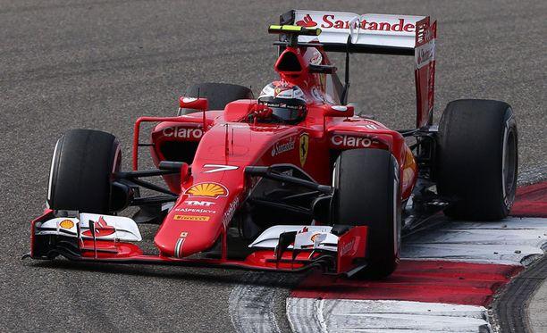 Kimi Räikkönen yllättyi ongelmistaan.