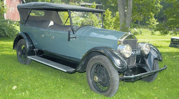 Pierce-Arrow on tyylikäs auto.