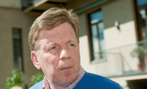 Esko Aho oli pääministerinä, kun Suomi päätti karkottaa 11 venäläisdiplomaattia.