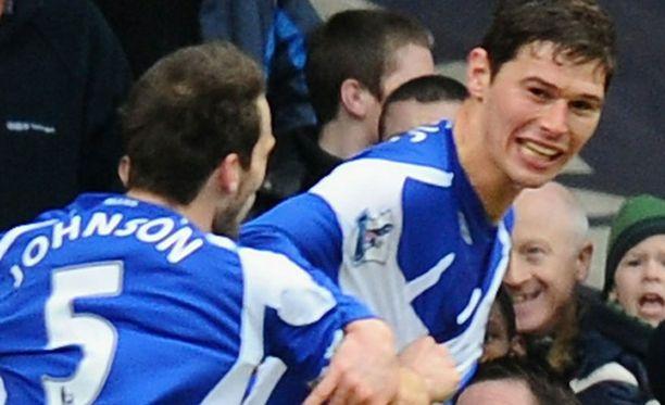 Nikola Zigic puski West Hamin nurin.