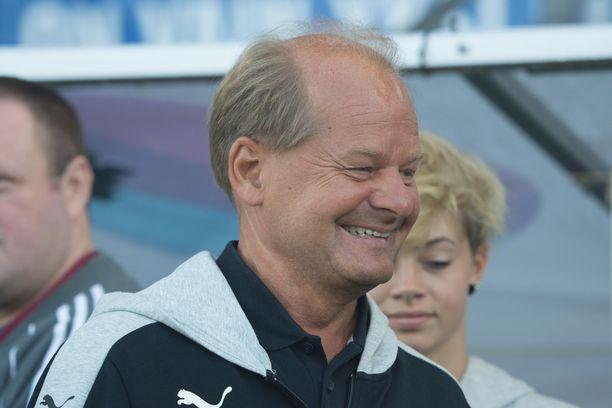 Antti Muurinen valmensi maajoukkuetta vuosina 2000–05.