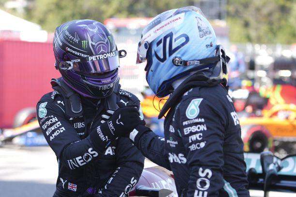 Bottaksella on kiire, mikäli hän aikoo ehtiä Lewis Hamiltonin vetämään mestaruusjunaan.