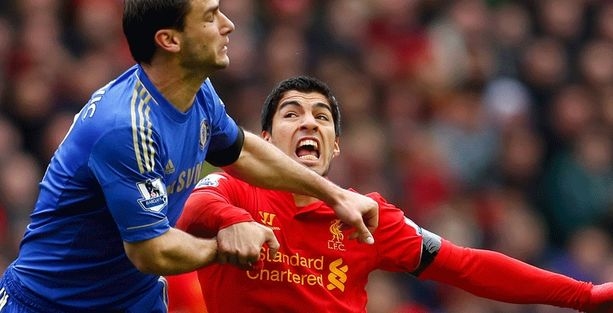 Luis Suarez sai puraisustaan kymmenen ottelun pannan.