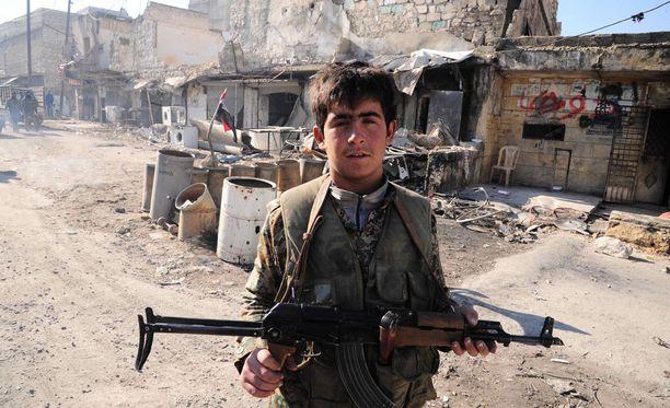 Syyrialaissotilas.
