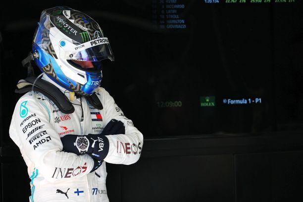 Valtteri Bottas nappasi kärkipaikan F1-testien avauspäivänä.