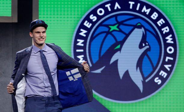 Lauri Markkanen varattiin alun perin Minnesotaan, mutta hän siirtyi lopulta Chicagoon osana suurempaa pelaajakauppaa.