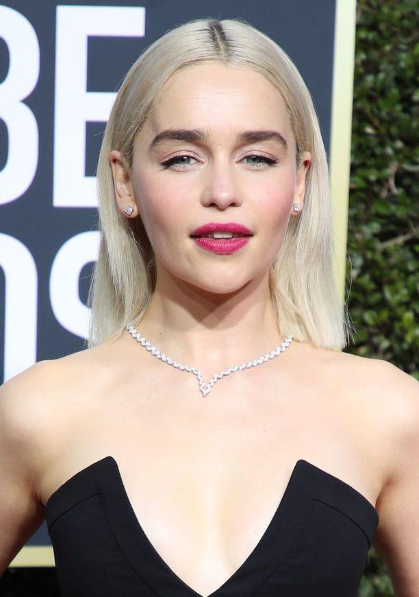 Emilia Clarke edusti vaaleana Golden Globe -gaalassa.