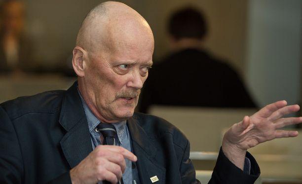 Mäntymaa jäi eduskuntatyöstä sairauslomalle syyskuussa 2013, kun hänellä todettiin keuhkosyöpä.