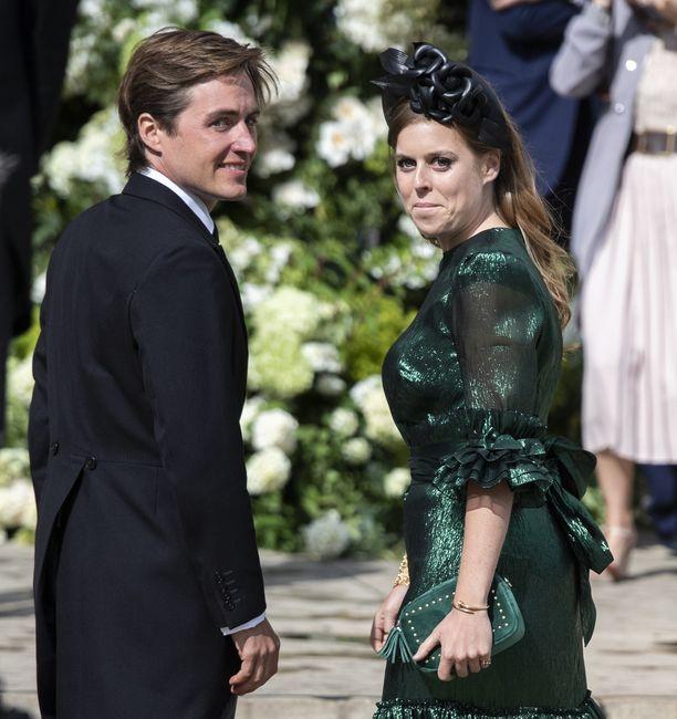 Prinsessa Beatrice ja Edo Mapelli Mozzi avioituivat perjantaiaamuna.