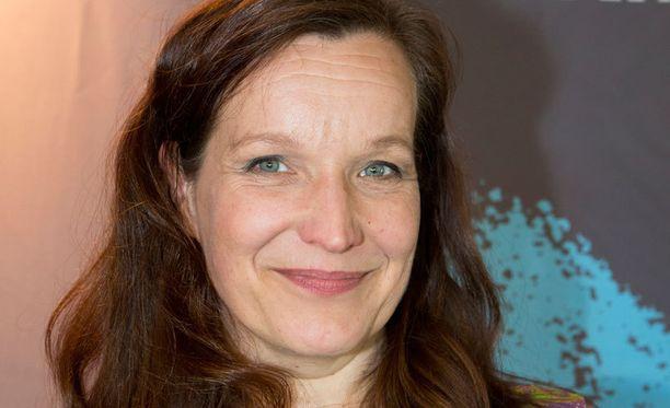 Käsikirjoittaja Johanna Vuoksenmaan edellinen komedia 21 tapaa pilata avioliitto oli vuoden 2013 katsotuin kotimainen elokuva.