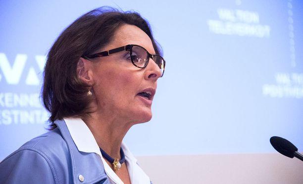 Liikenne- ja viestintäministeri Anne Berner (kesk).