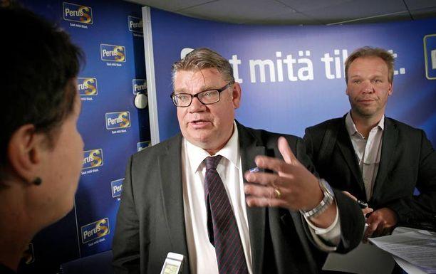 Kun muiden puolueiden puheenjohtajat osallistuvat keskiviikkona ammattijärjestöjen yhteiseen vaalitenttiin Helsingissä, perussuomalaisten Timo Soini tekee vaalityötä Porissa ja Huittisissa.