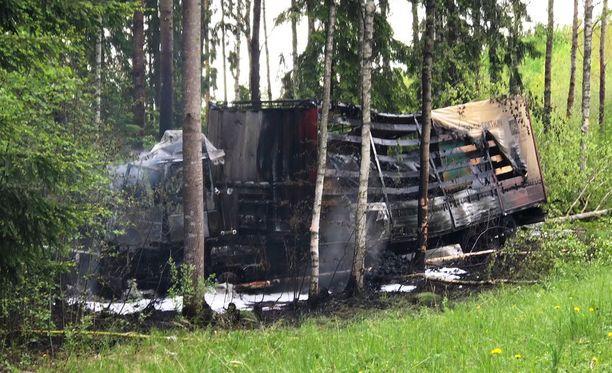Palo tuhosi rekan käytännössä kokonaan.