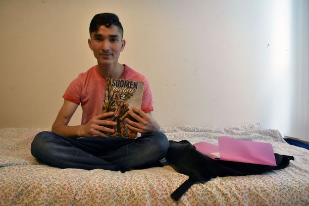 Mojtaba rakastaa opiskelua. Hän toivoo, että saa työperäisen oleskeluluvan.