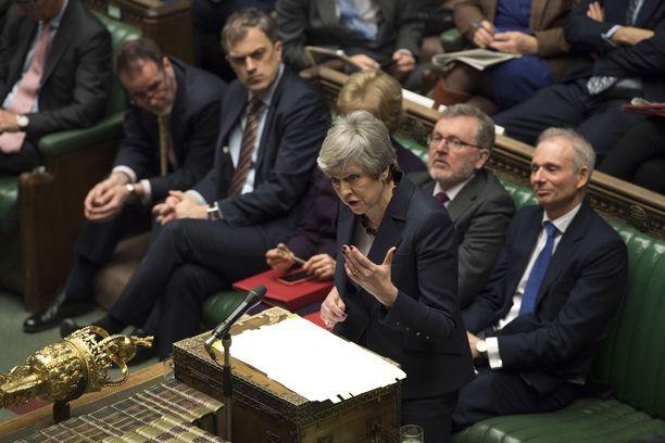 Britannian pääministeri Theresa May on tarjoutunut eroamaan saadakseen EU-erosopimukselle parlamentin hyväksynnän.