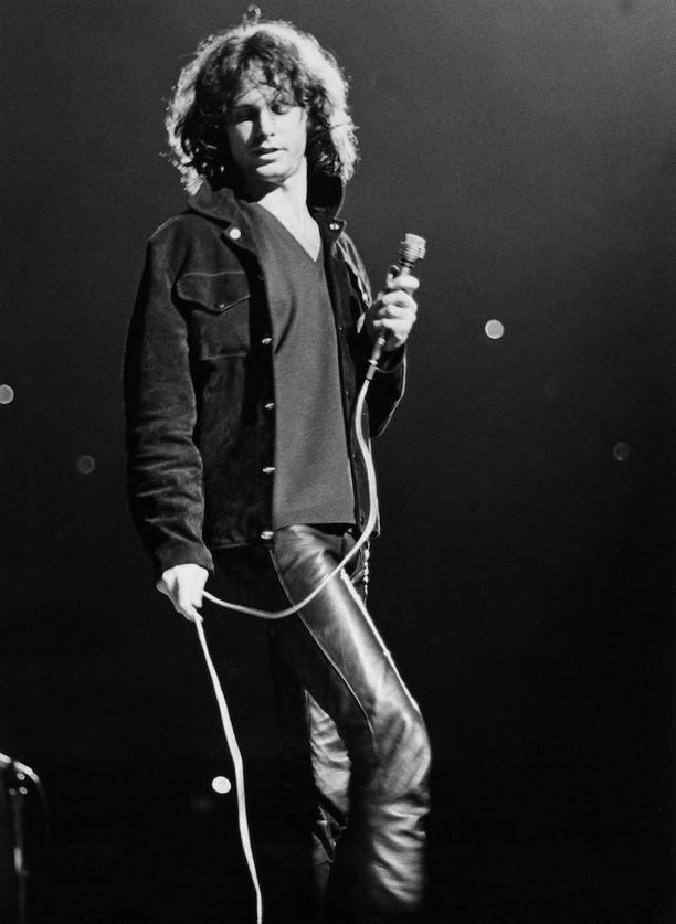 Morrison oli fanien suosiossa, vaikka keikoilla sattui ja tapahtui.